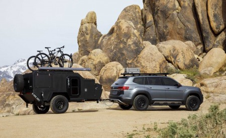 2019 Volkswagen Atlas Basecamp Concept Side Wallpaper 450x275 (13)
