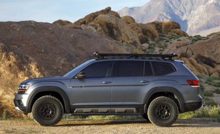 2019 Volkswagen Atlas Basecamp Concept Side Wallpaper 450x275 (14)