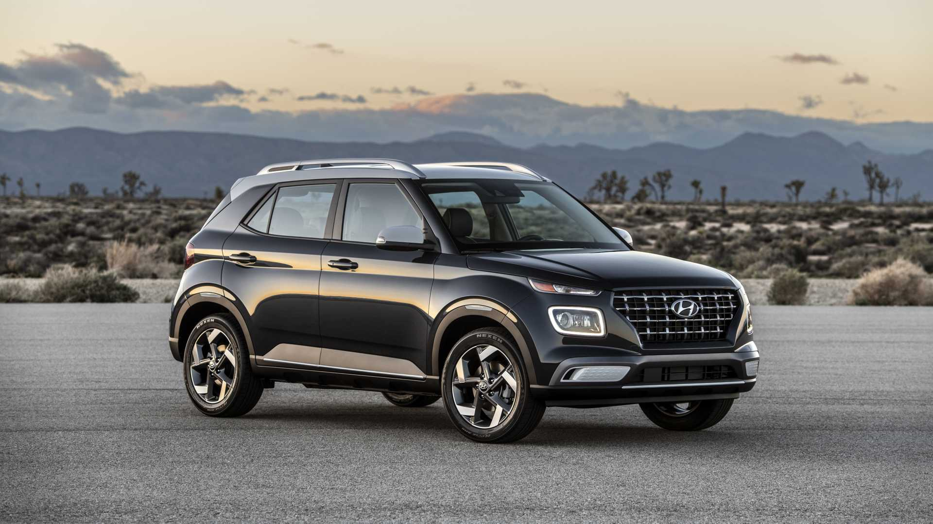2020 Hyundai Venue Front Three-Quarter Wallpapers (6)
