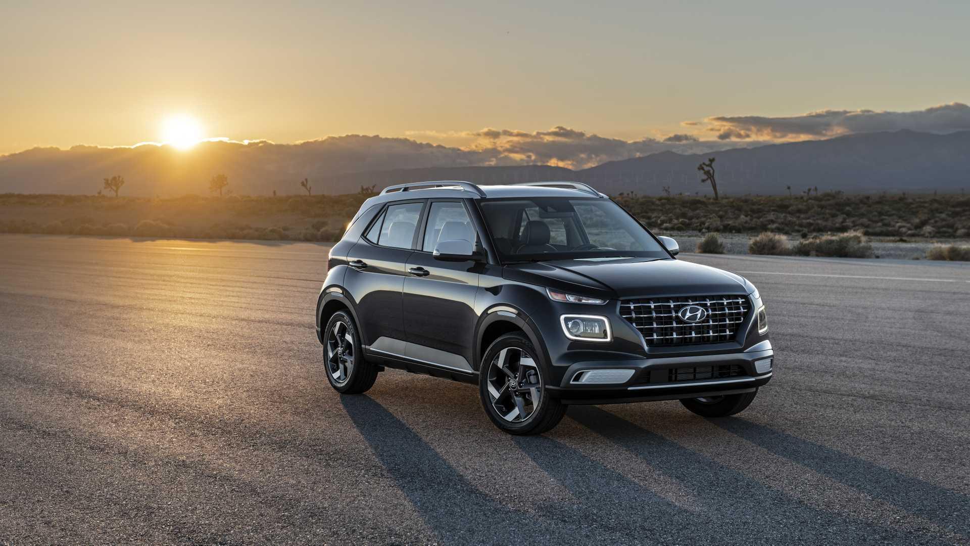 2020 Hyundai Venue Front Three-Quarter Wallpapers (2)