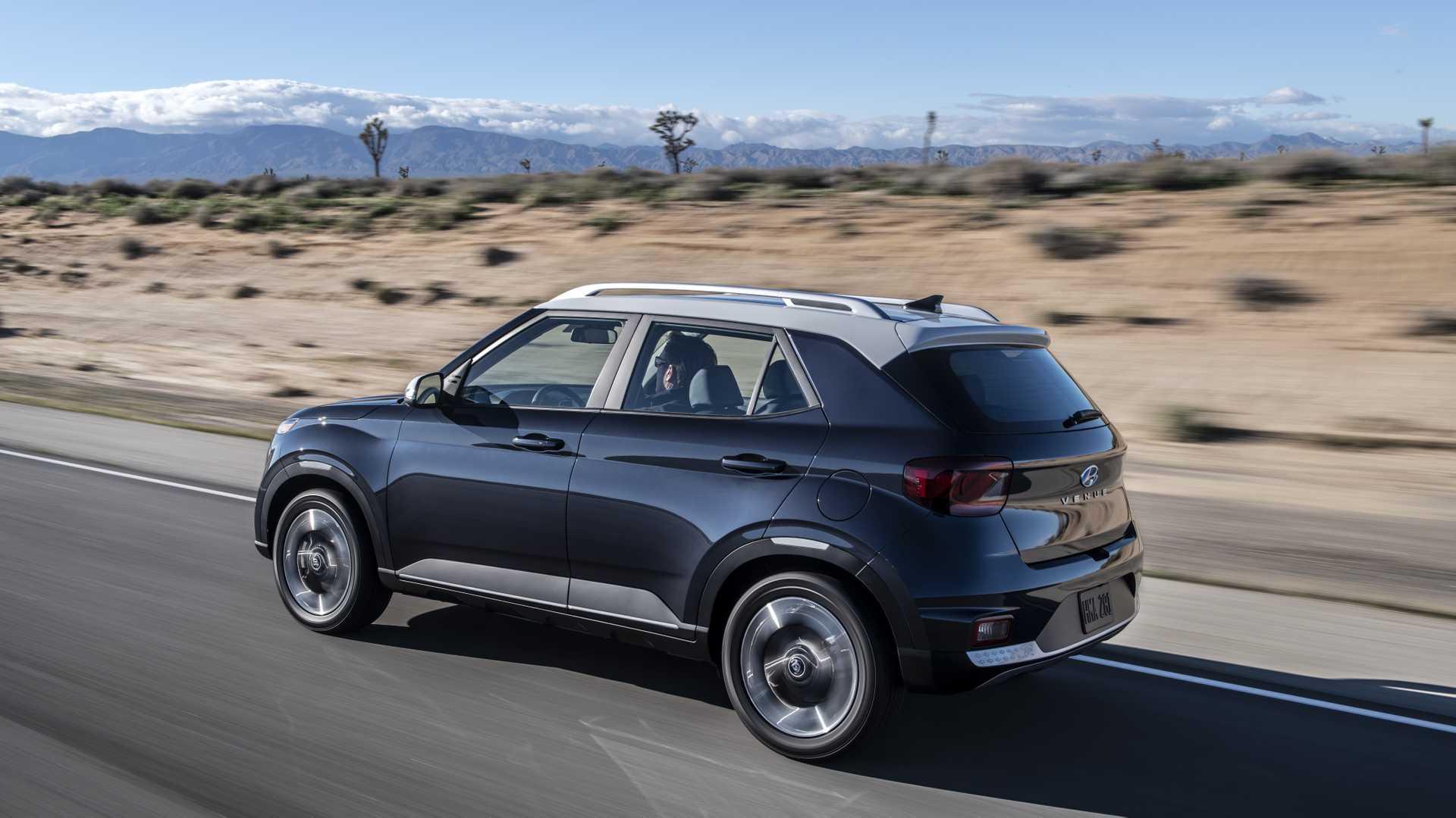2020 Hyundai Venue Rear Three-Quarter Wallpapers (4)