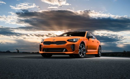 2020 Kia Stinger GTS Front Three-Quarter Wallpapers 450x275 (4)