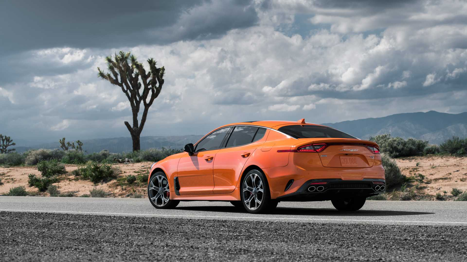 2020 Kia Stinger GTS Rear Three-Quarter Wallpaper (5)