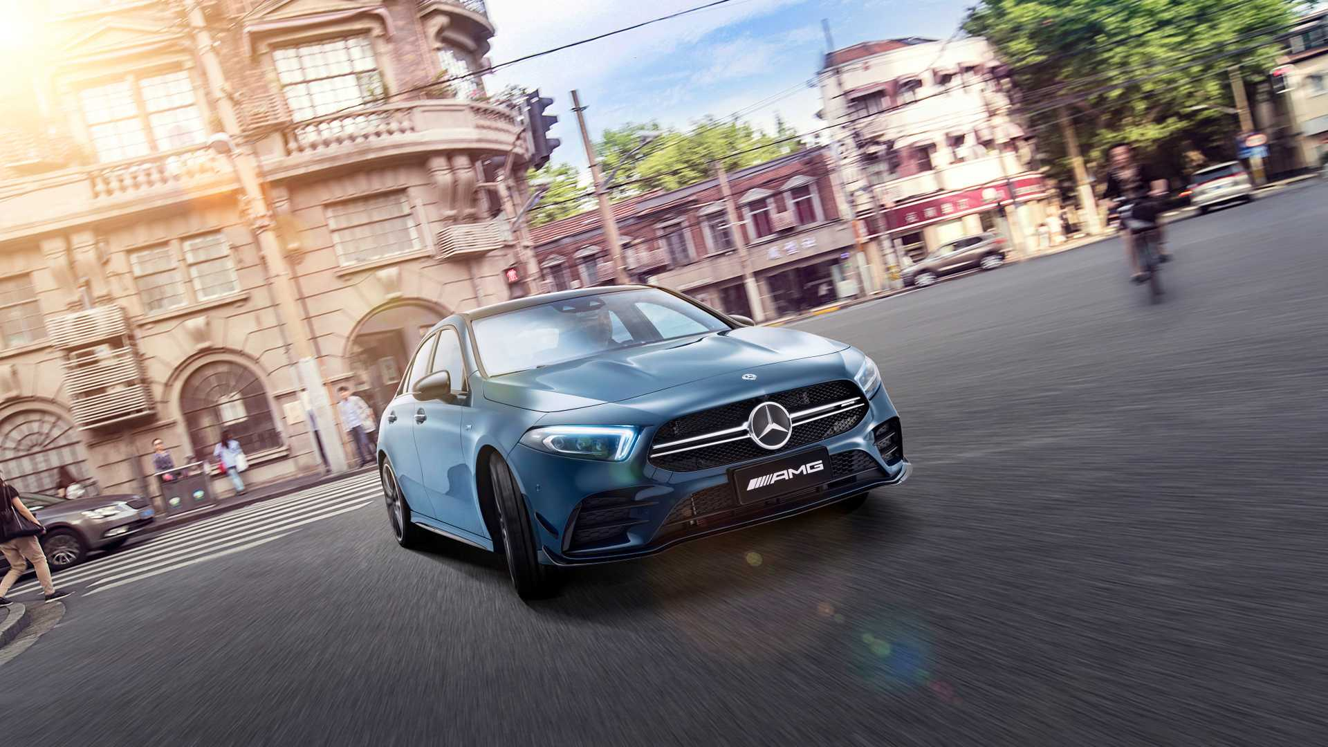2020 Mercedes-AMG A35 L Sedan 4MATIC Front Three-Quarter Wallpaper (1)