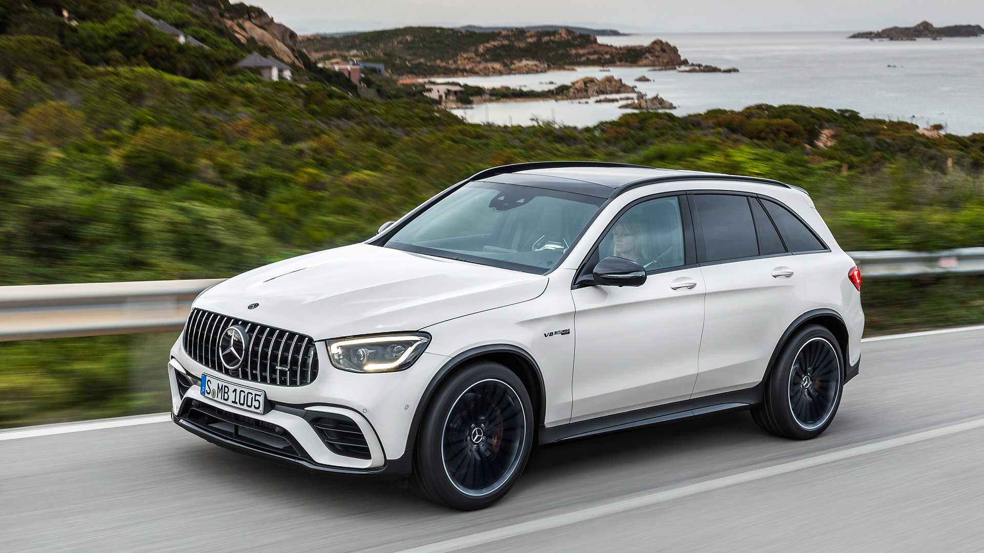 2020 Mercedes-AMG GLC 63 Front Three-Quarter Wallpapers (2)
