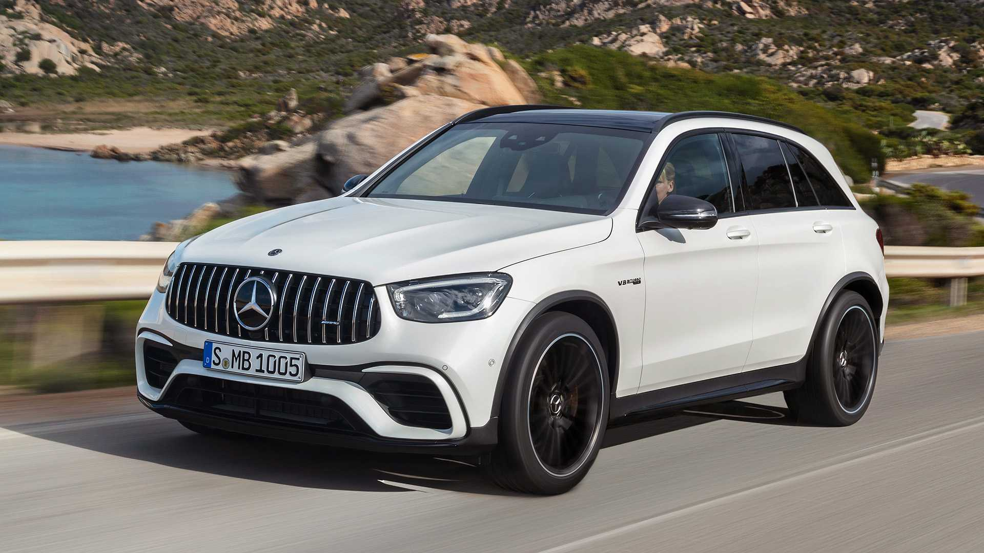 2020 Mercedes-AMG GLC 63 Front Three-Quarter Wallpapers (1)