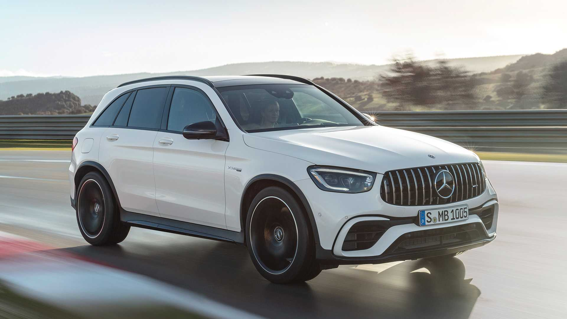 2020 Mercedes-AMG GLC 63 Front Three-Quarter Wallpapers (3)
