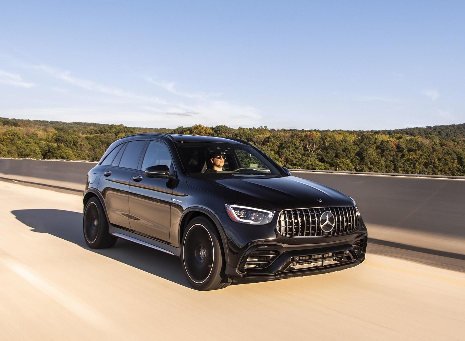 2020 Mercedes-AMG GLC 63 (US-Spec) Front Three-Quarter Wallpapers (4)