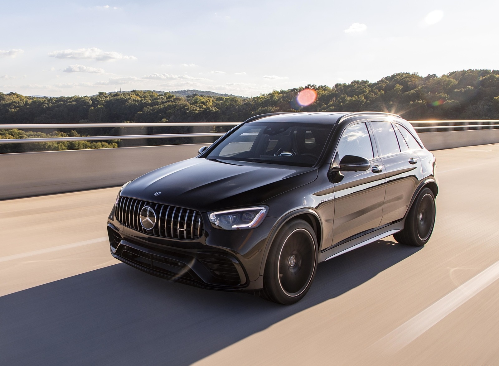 2020 Mercedes-AMG GLC 63 (US-Spec) Front Three-Quarter Wallpapers (5)