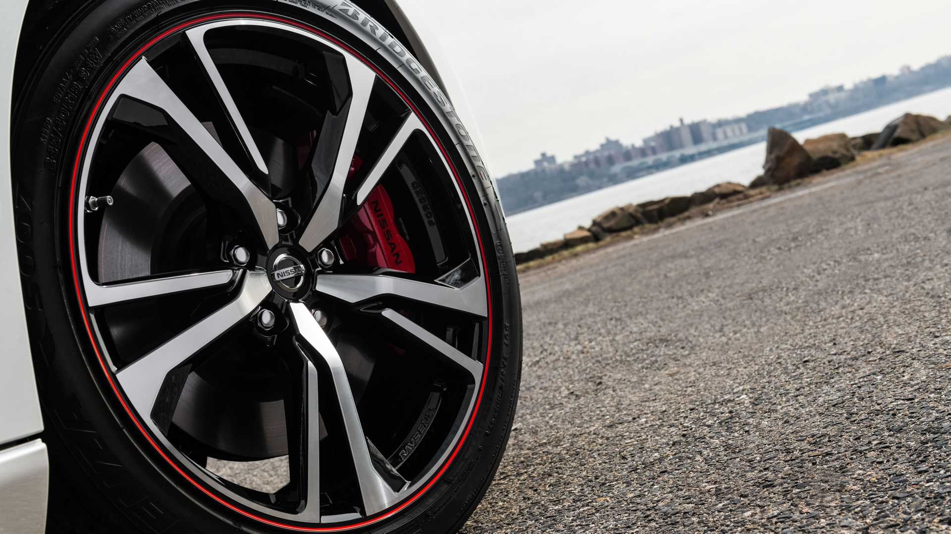2020 Nissan 370Z 50th Anniversary Edition Wheel Wallpapers (9)