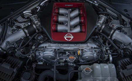 2020 Nissan GT-R NISMO Engine Wallpapers 450x275 (49)
