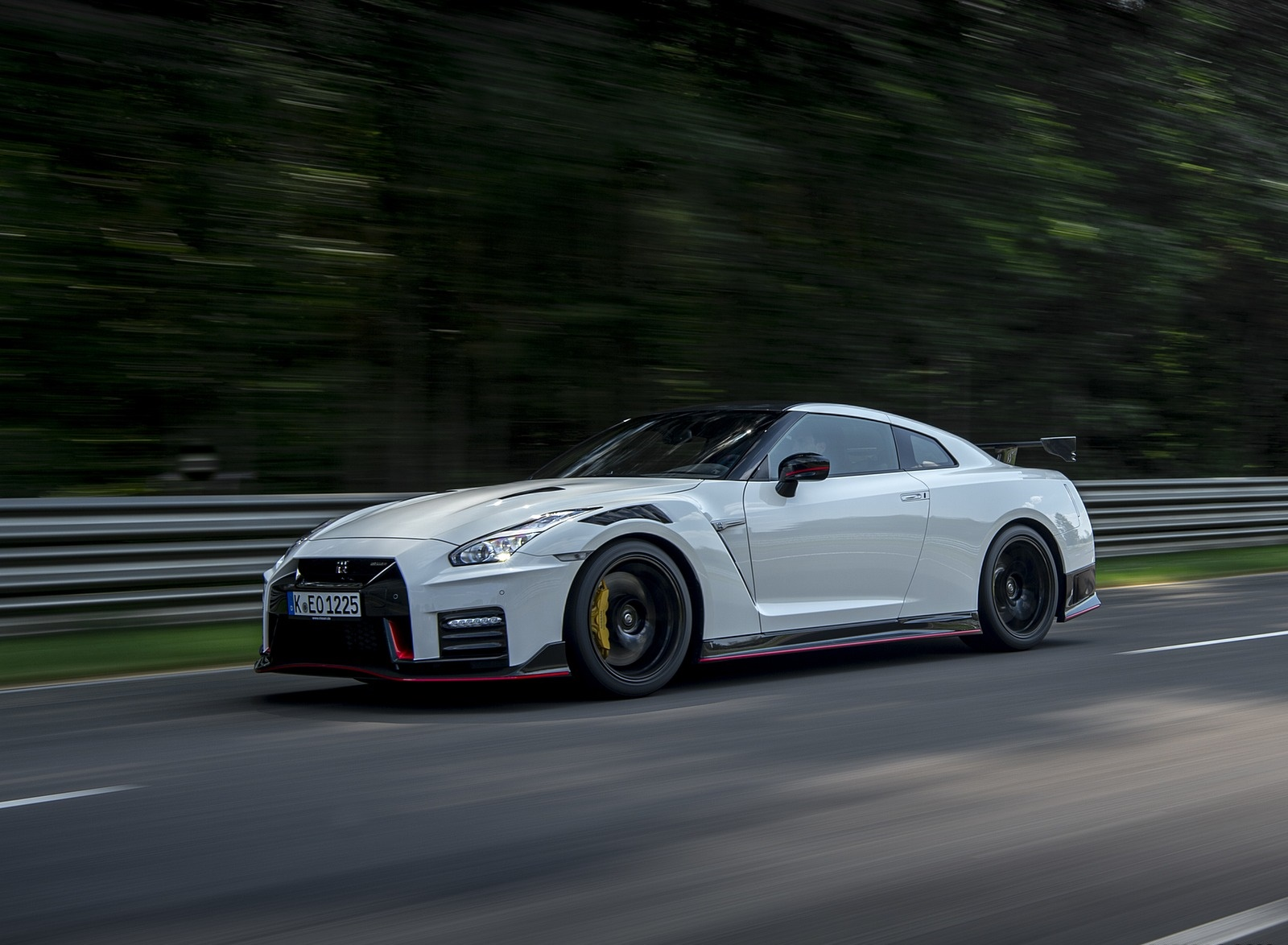2020 Nissan GT-R NISMO Front Three-Quarter Wallpapers (14)