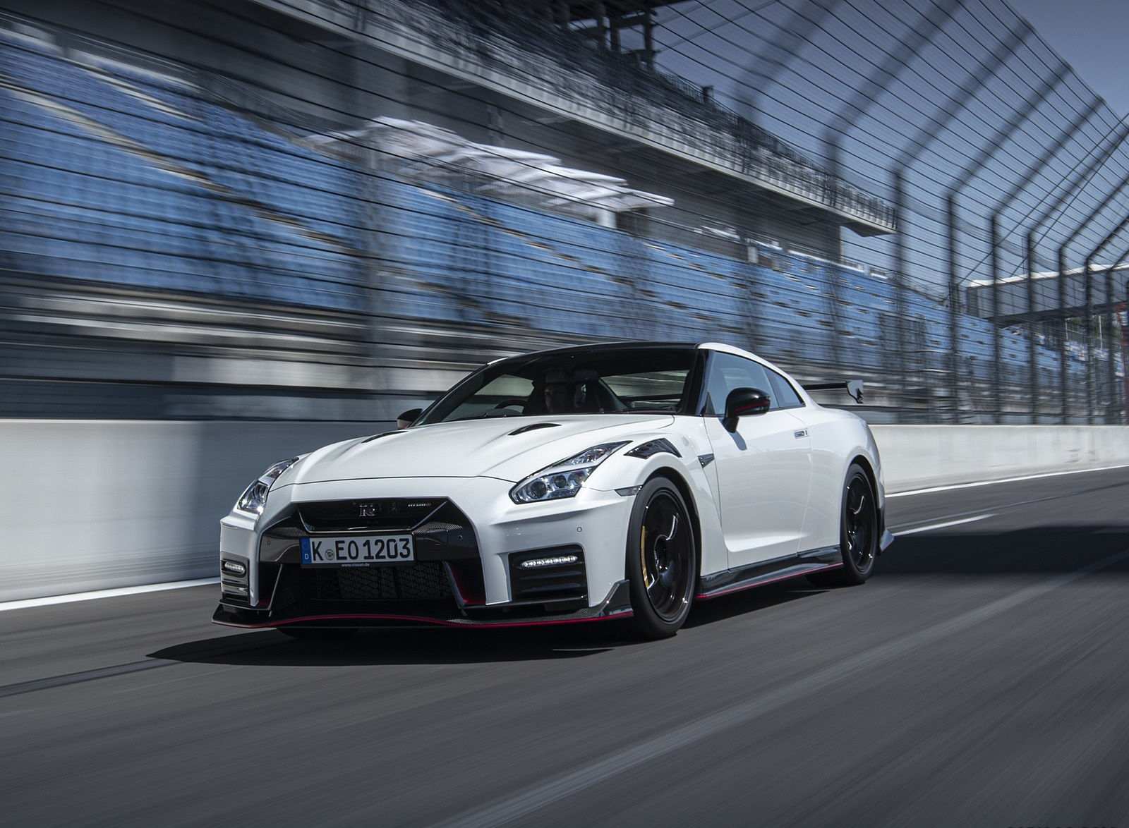 2020 Nissan GT-R NISMO Front Three-Quarter Wallpapers (5)