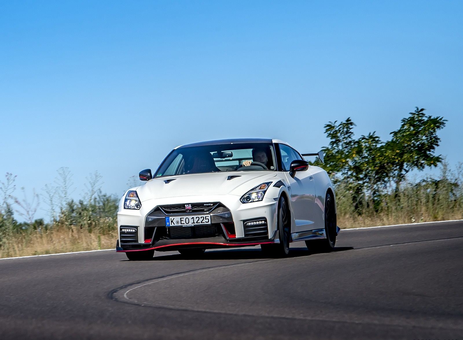 2020 Nissan GT-R NISMO Front Wallpapers (6)