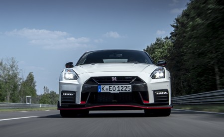 2020 Nissan GT-R NISMO Front Wallpapers 450x275 (19)
