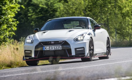 2020 Nissan GT-R NISMO Front Wallpapers 450x275 (7)