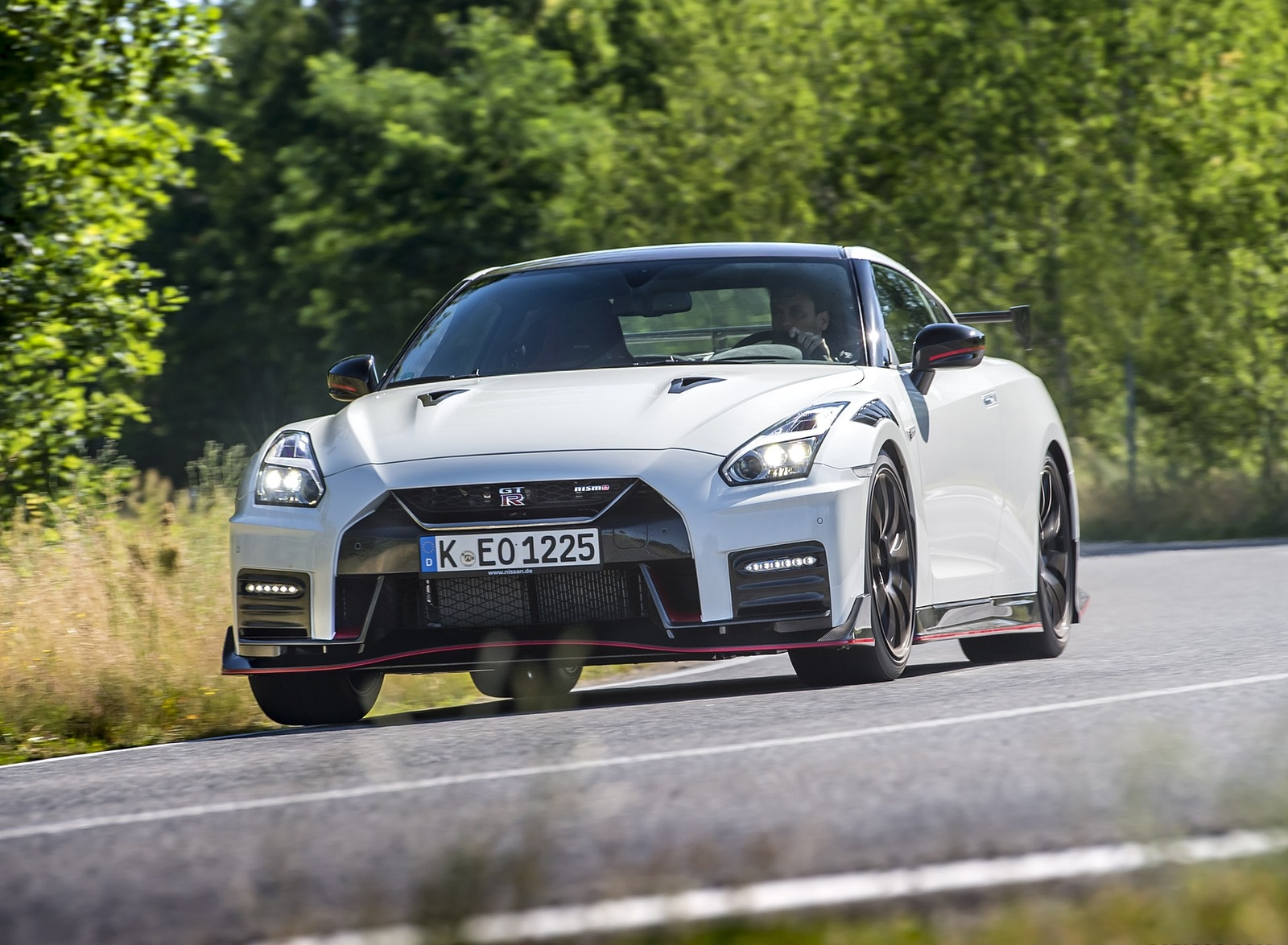 2020 Nissan GT-R NISMO Front Wallpapers (7)
