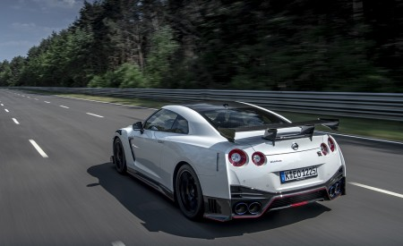 2020 Nissan GT-R NISMO Rear Three-Quarter Wallpapers 450x275 (8)