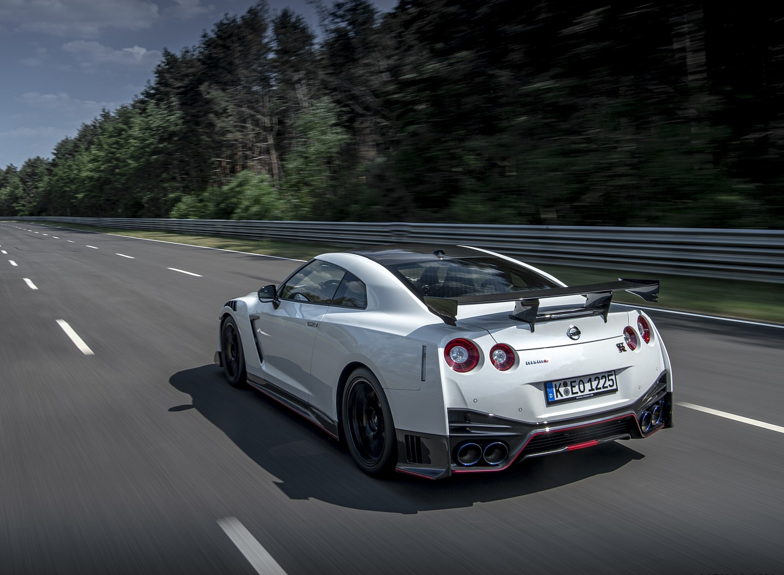 2020 Nissan GT-R NISMO Rear Three-Quarter Wallpapers (8)
