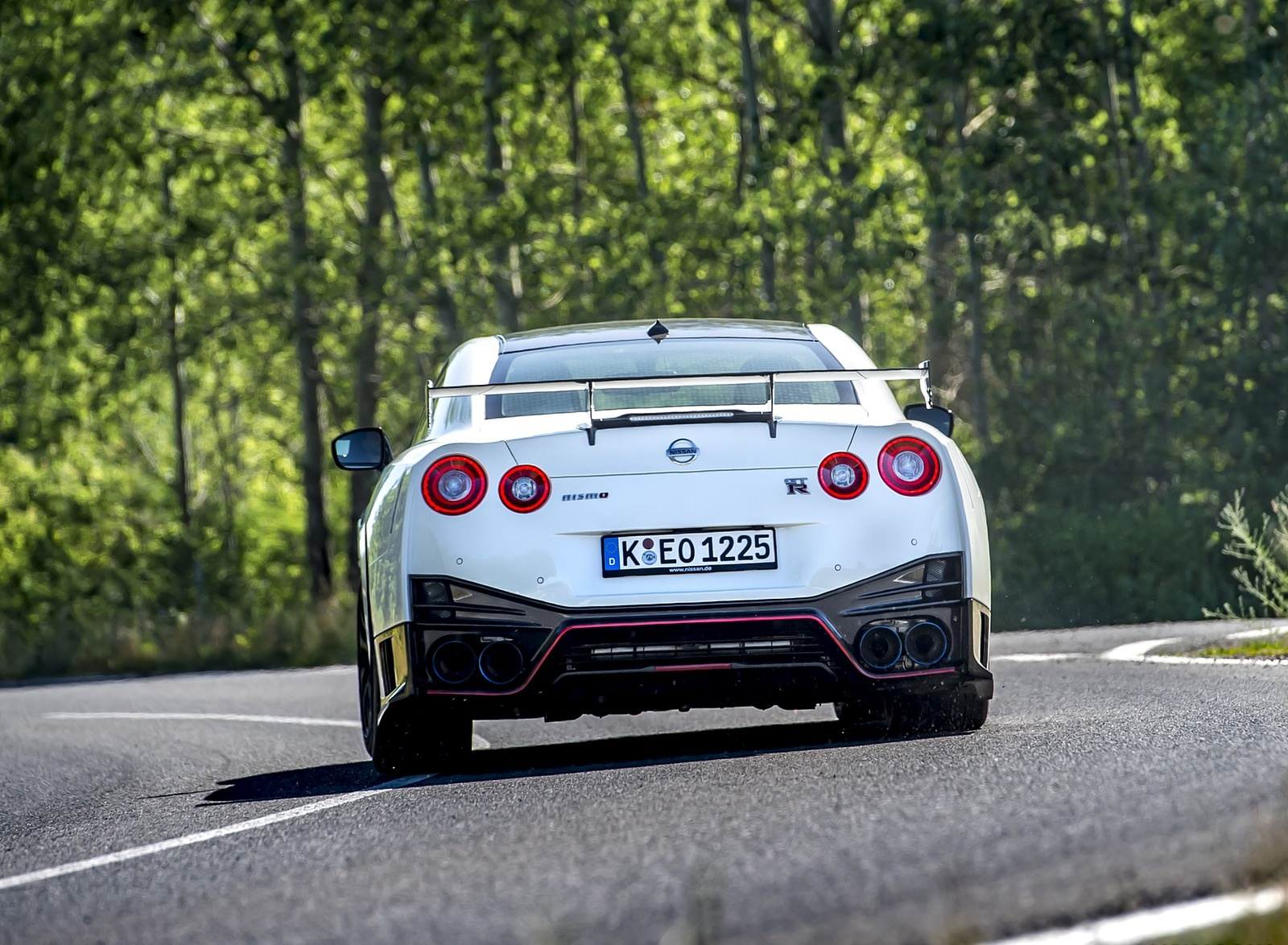 2020 Nissan GT-R NISMO Rear Wallpapers (10)