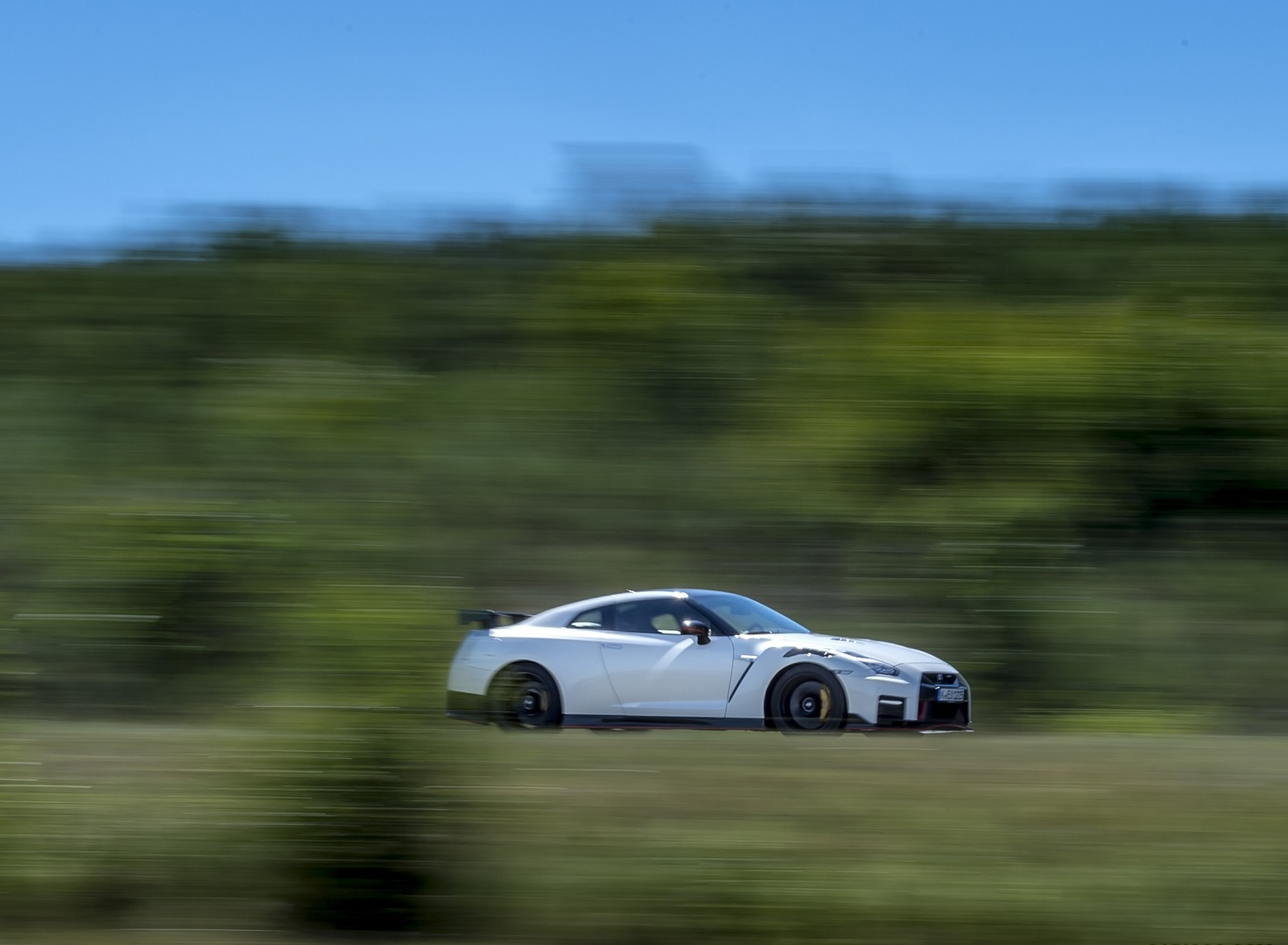 2020 Nissan GT-R NISMO Side Wallpapers (11)