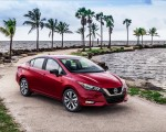 2020 Nissan Versa Front Three-Quarter Wallpapers 150x120 (47)