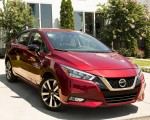 2020 Nissan Versa Front Three-Quarter Wallpapers 150x120 (13)