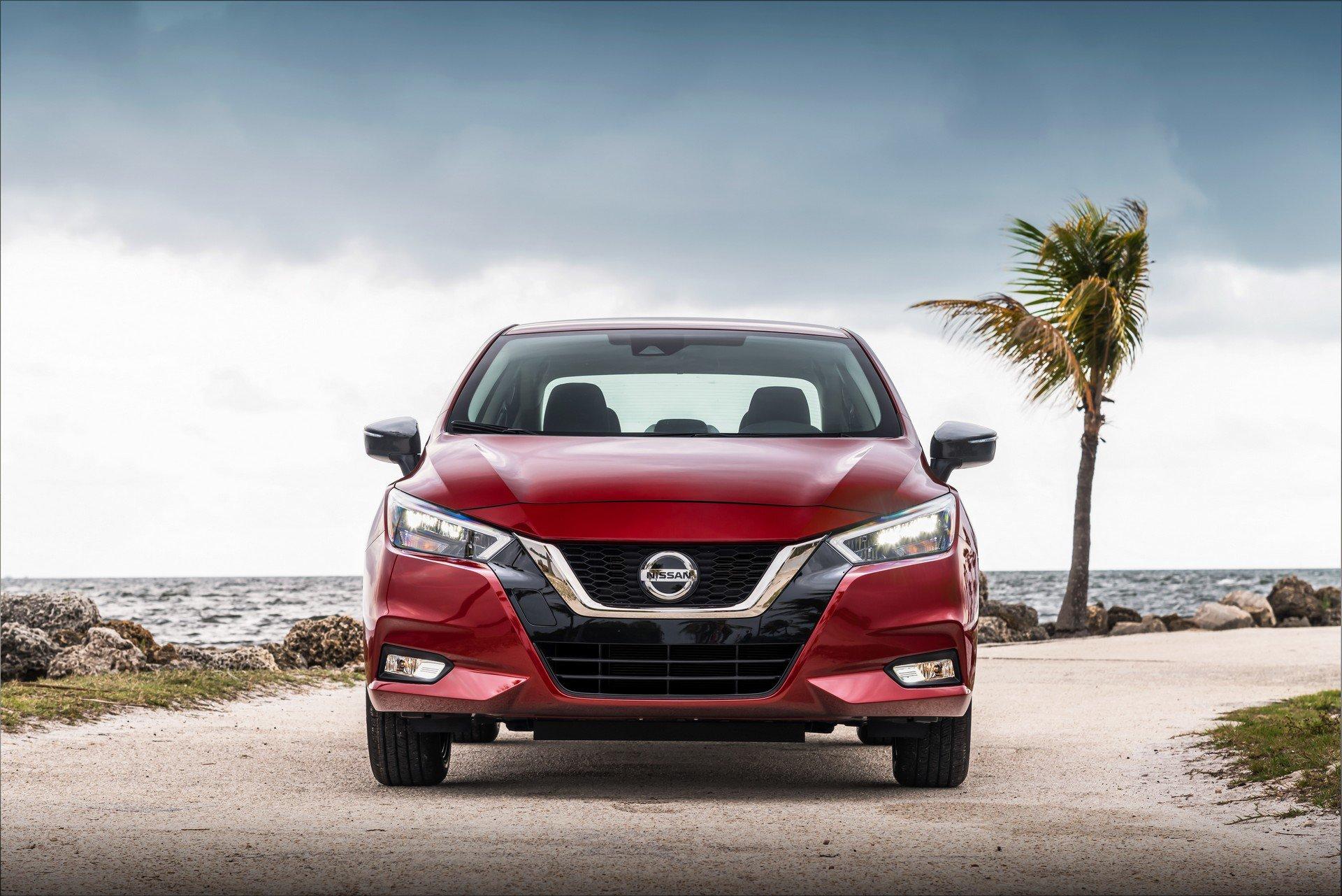 2020 Nissan Versa Front Wallpaper (5)