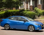 2020 Nissan Versa Side Wallpapers 150x120 (39)