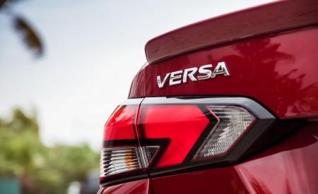 2020 Nissan Versa Tail Light Wallpaper 450x275 (12)