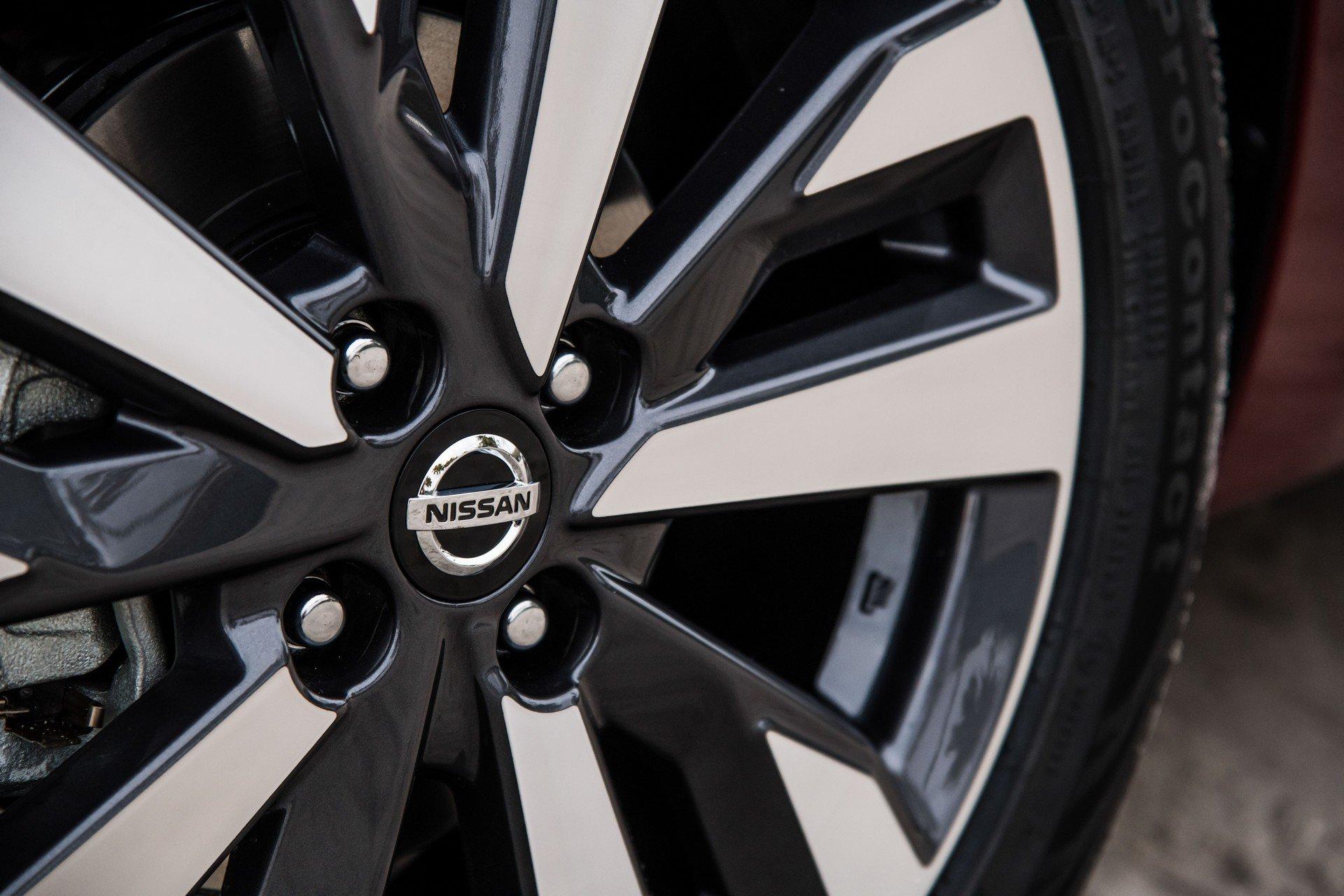 2020 Nissan Versa Wheel Wallpaper (14)