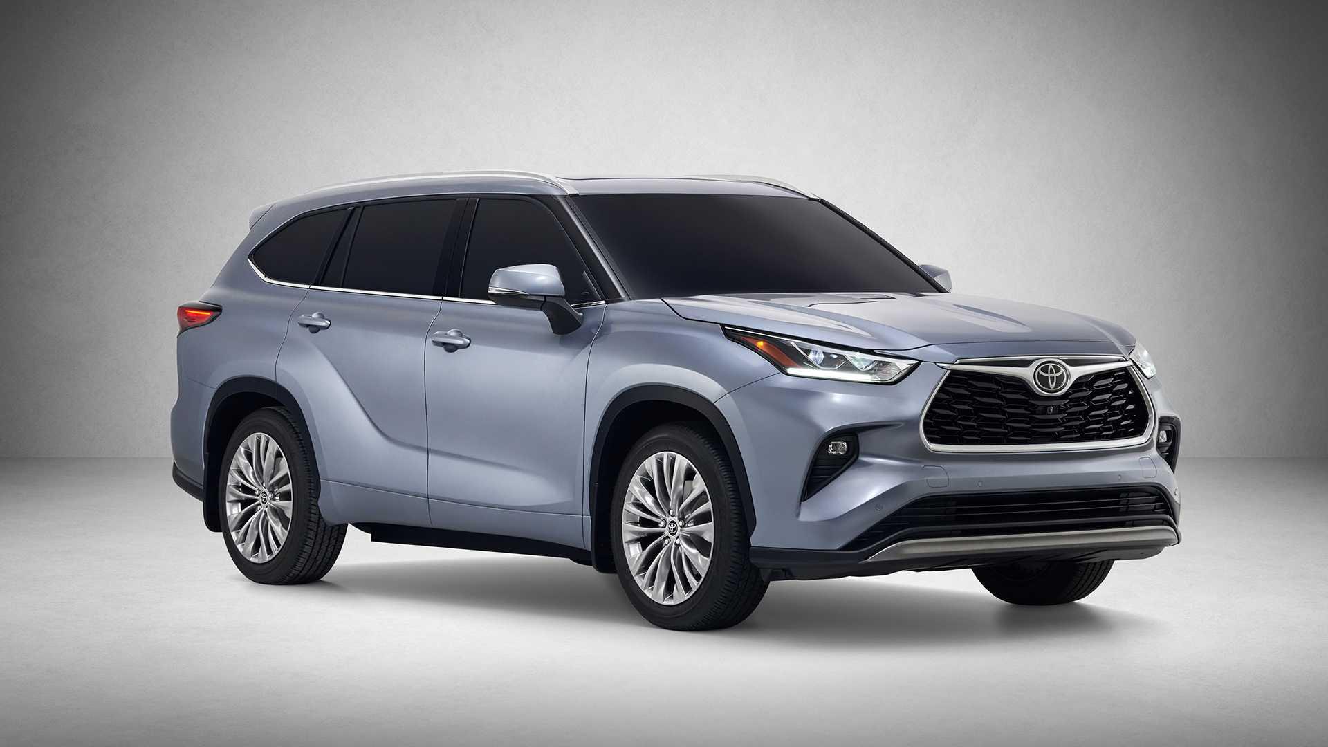 2020 Toyota Highlander Front Three-Quarter Wallpaper (2)