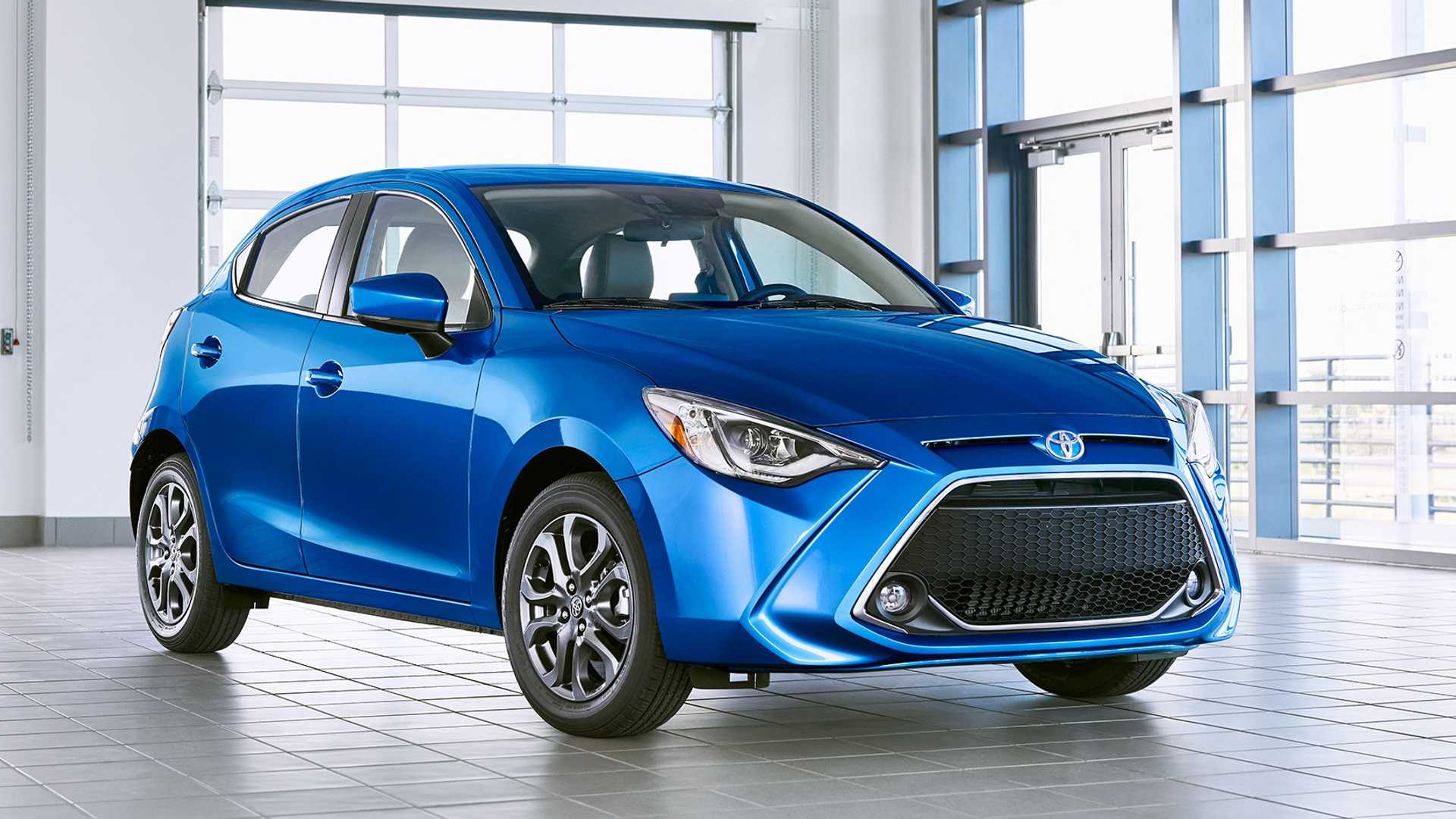 2020 Toyota Yaris Hatchback Front Three-Quarter Wallpapers (1)