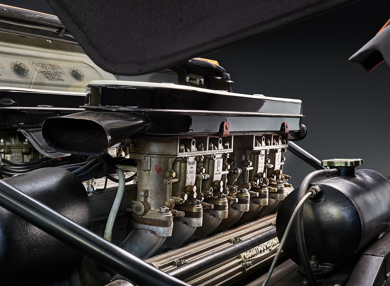 1969 Lamborghini Miura P400 Engine Wallpapers (6)