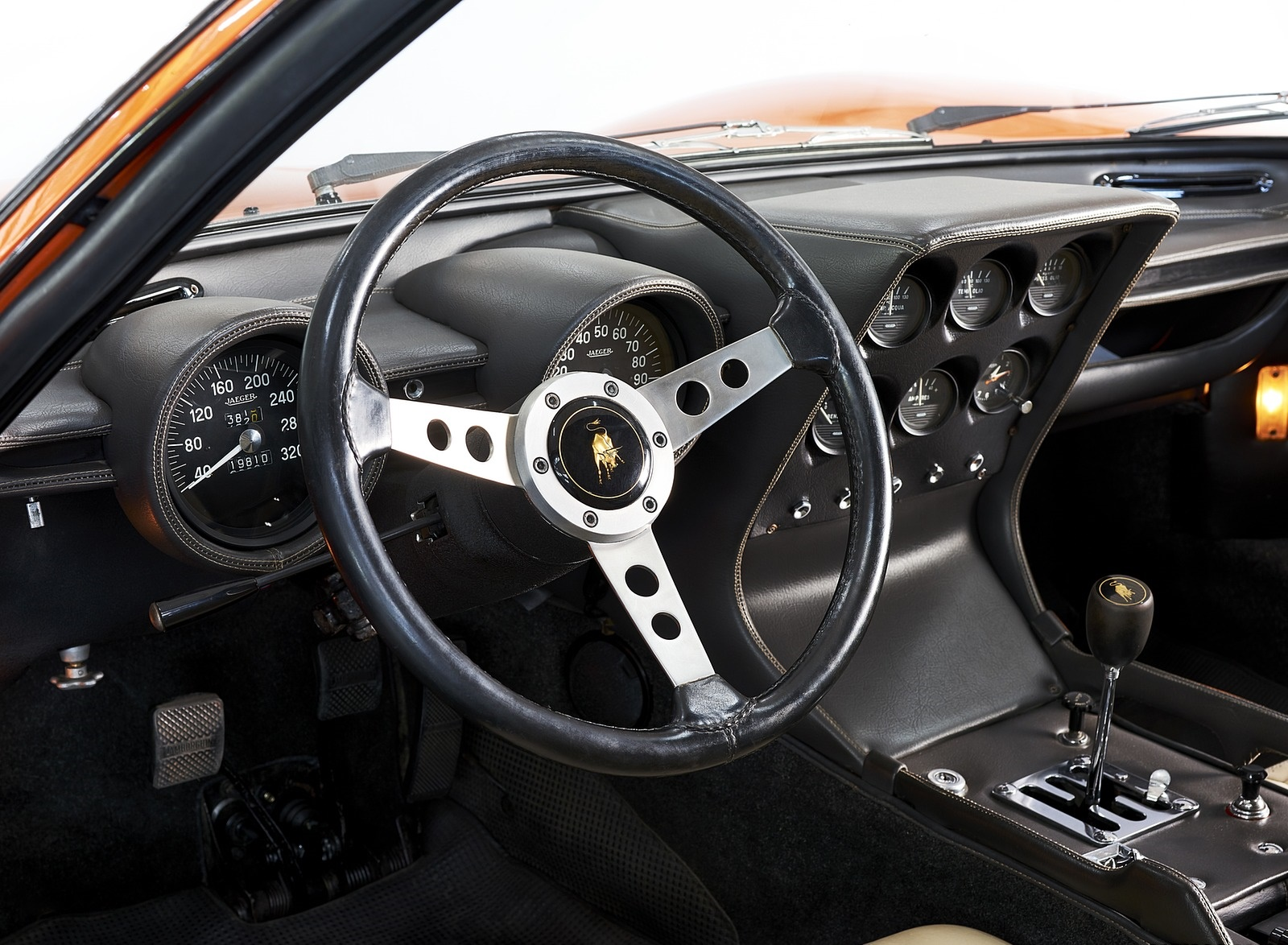 1969 Lamborghini Miura P400 Interior Wallpapers (8)