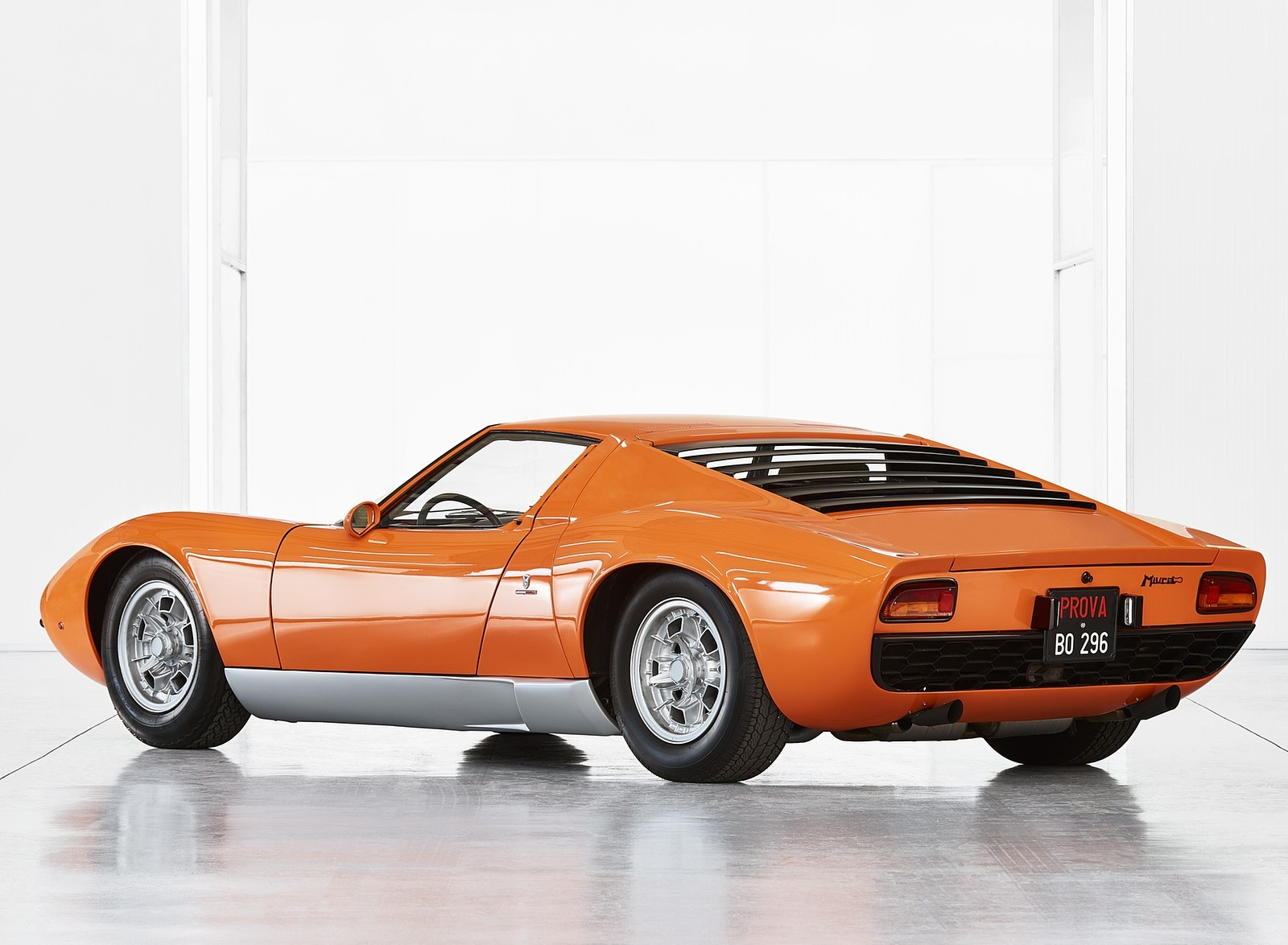 1969 Lamborghini Miura P400 Rear Three-Quarter Wallpapers (3)