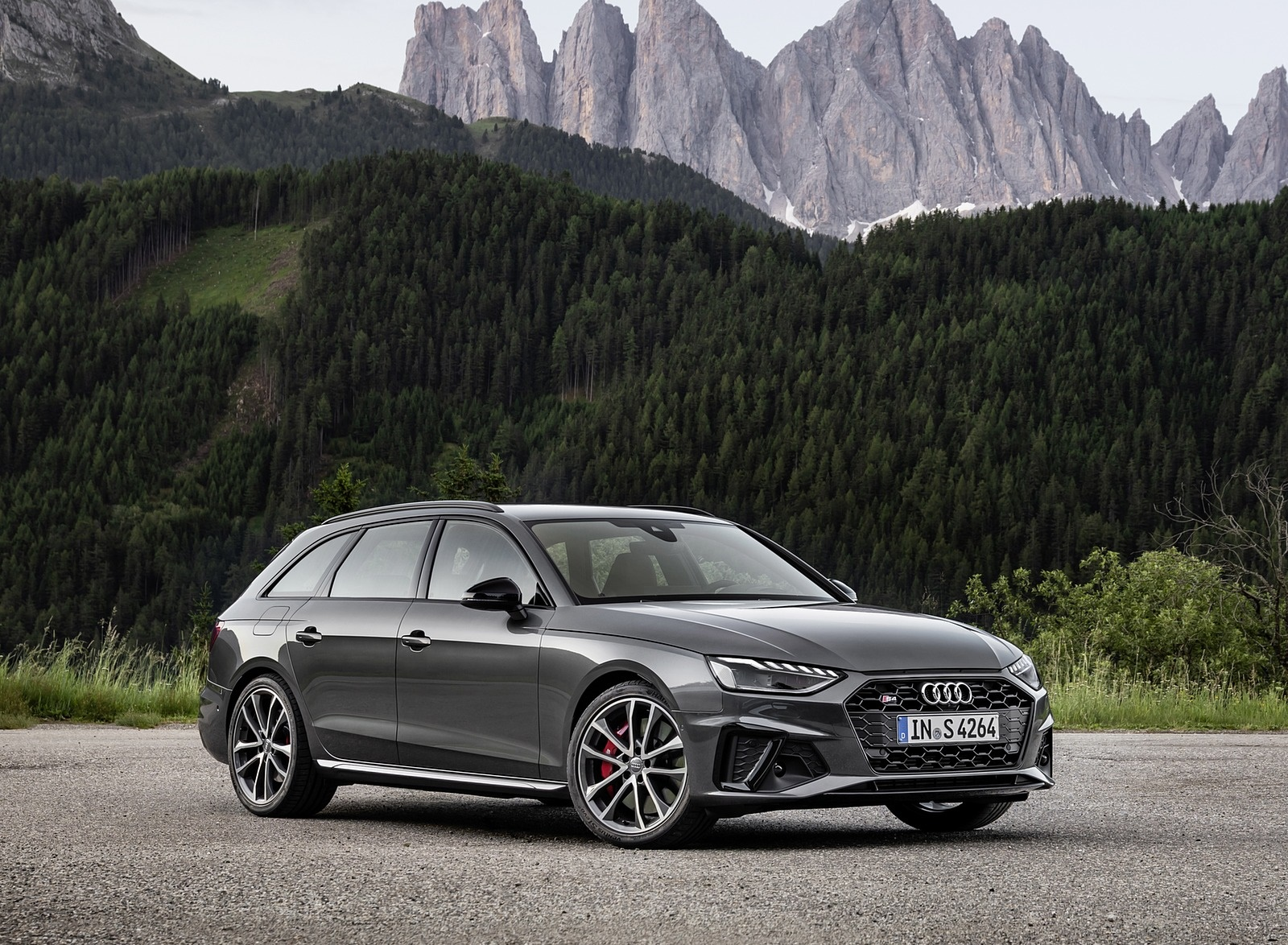 2019 Audi S4 Avant TDI (Color: Daytona Gray) Front Three-Quarter Wallpapers (8)