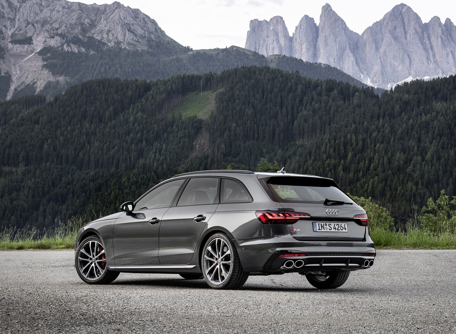 2019 Audi S4 Avant TDI (Color: Daytona Gray) Rear Three-Quarter Wallpapers (11)