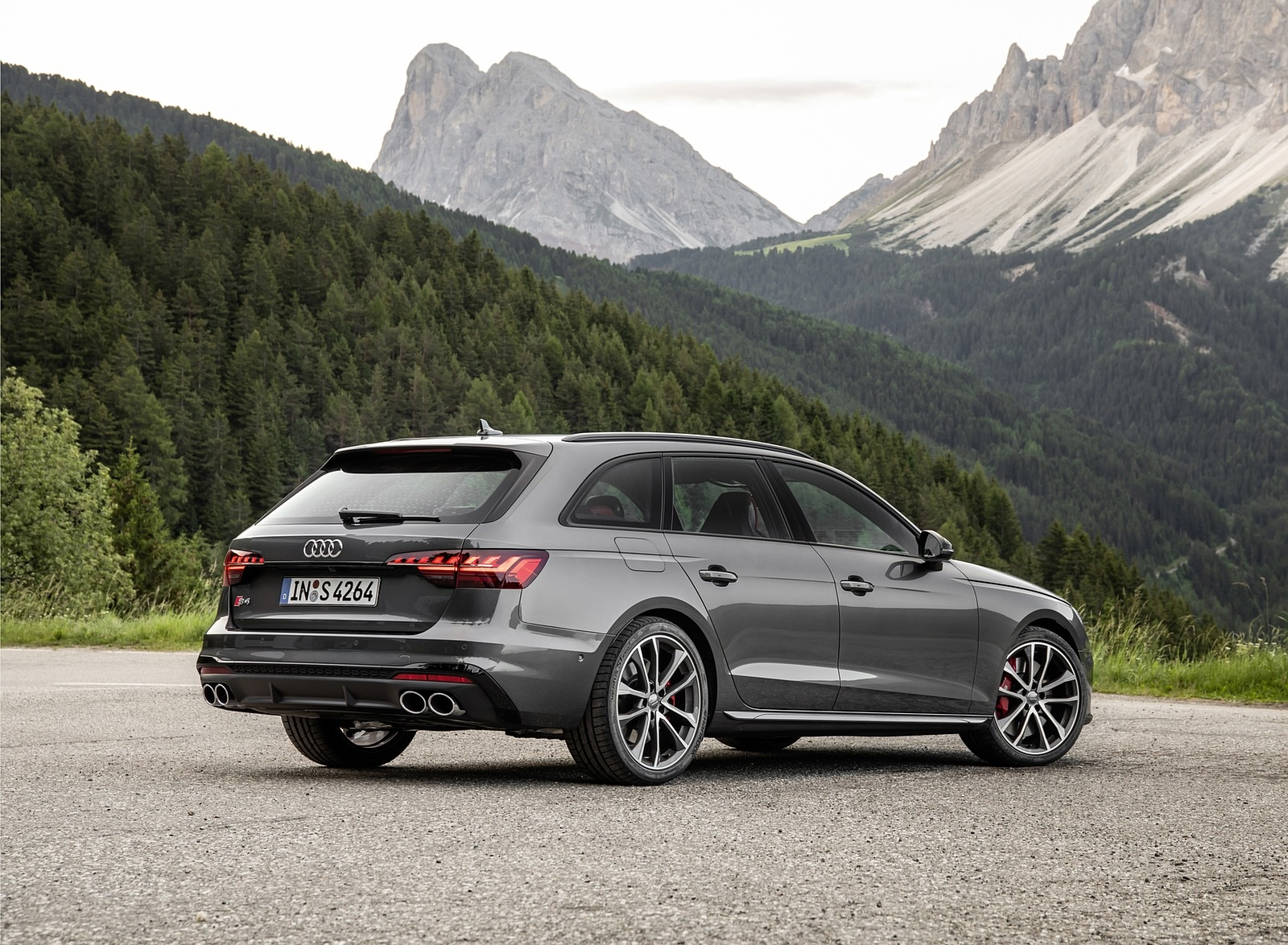2019 Audi S4 Avant TDI (Color: Daytona Gray) Rear Three-Quarter Wallpapers (12)