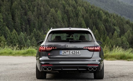 2019 Audi S4 Avant TDI (Color: Daytona Gray) Rear Wallpapers 450x275 (13)