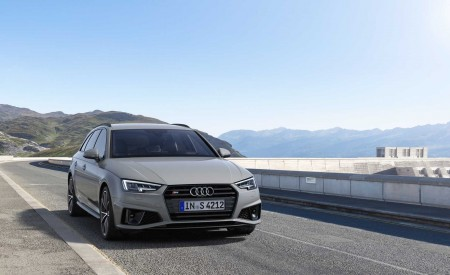 2019 Audi S4 Avant TDI (Color: Quantum Gray) Front Wallpapers 450x275 (26)