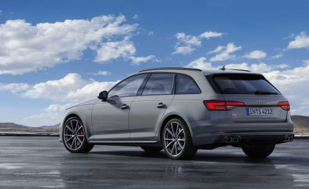 2019 Audi S4 Avant TDI (Color: Quantum Gray) Rear Three-Quarter Wallpapers 450x275 (27)