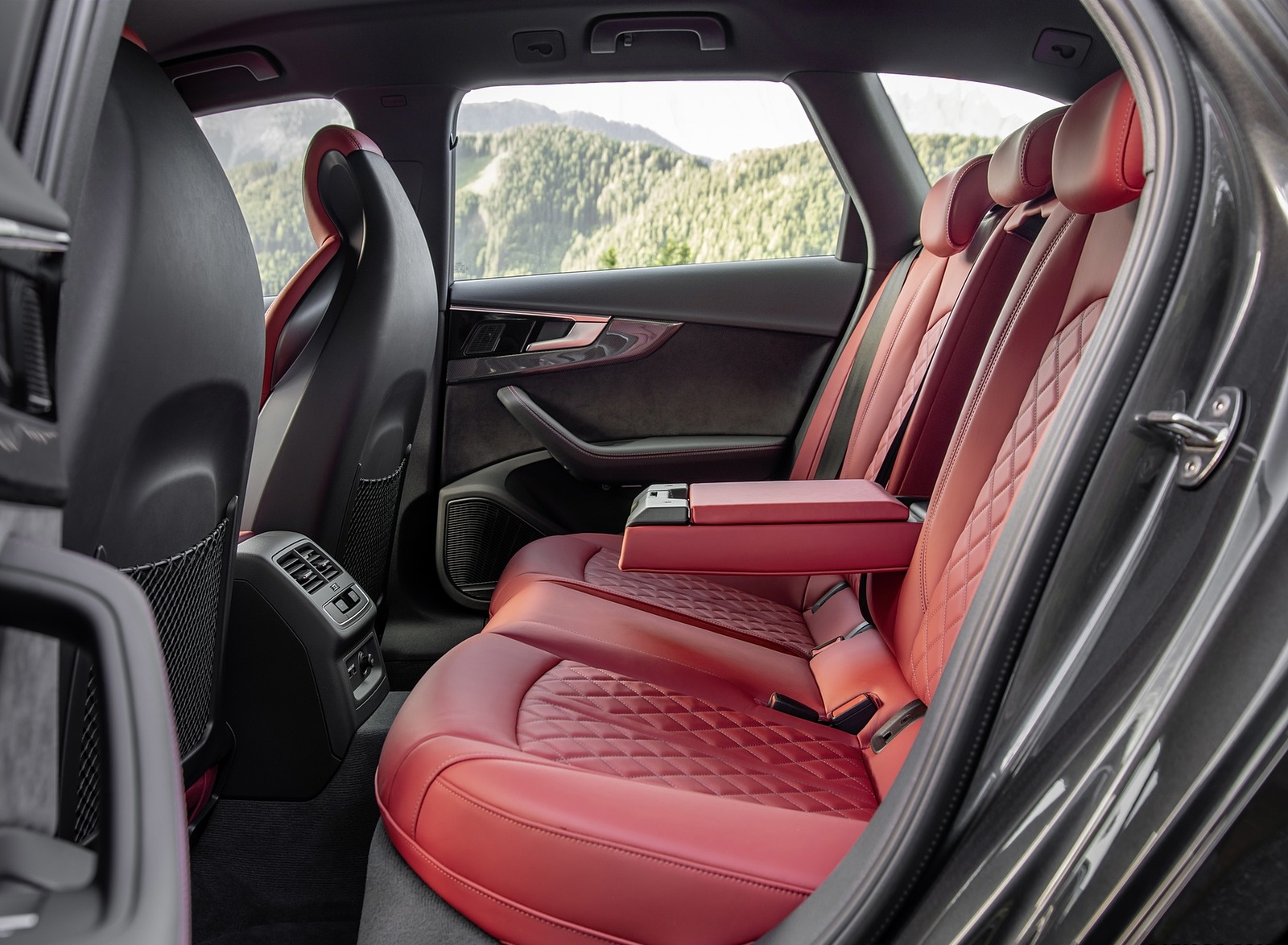 2019 Audi S4 Avant TDI Interior Rear Seats Wallpapers (15)