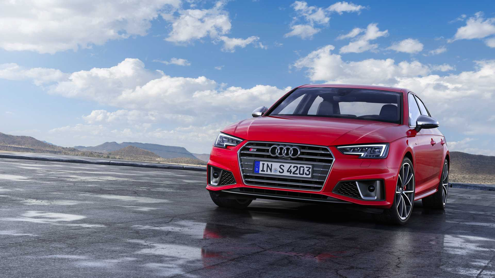 2019 Audi S4 Sedan TDI (Color: Misano Red) Front Wallpapers (6)