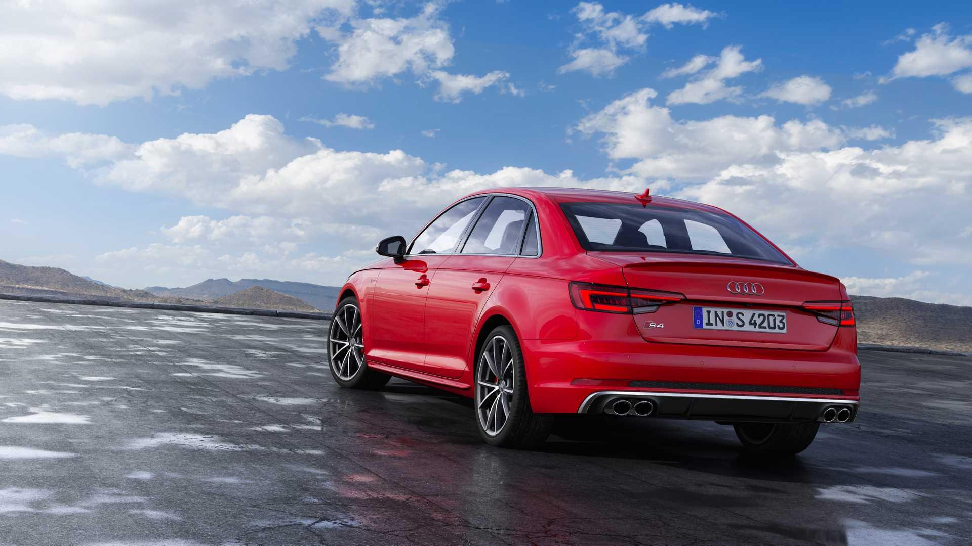 2019 Audi S4 Sedan TDI (Color: Misano Red) Rear Three-Quarter Wallpapers #32 of 39