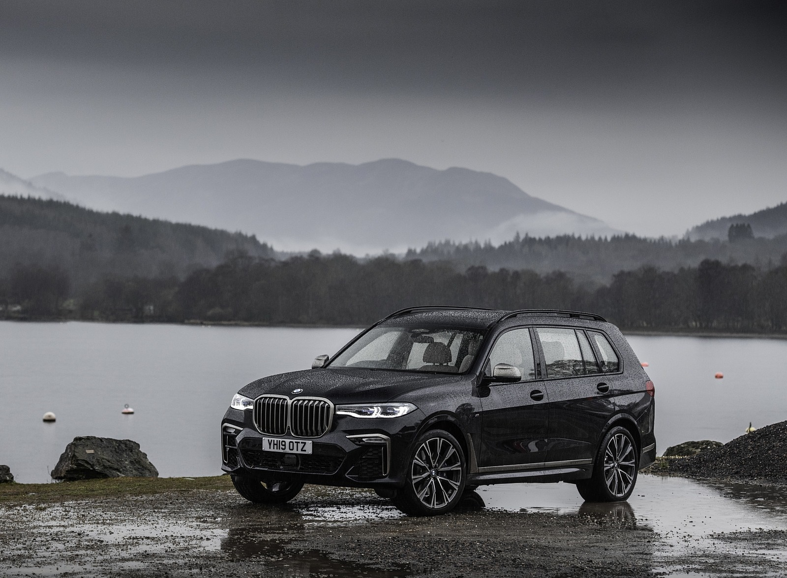 2019 BMW X7 M50d (UK-Spec) Front Three-Quarter Wallpapers (15)