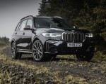 2019 BMW X7 M50d (UK-Spec) Front Three-Quarter Wallpapers 150x120 (17)