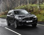 2019 BMW X7 M50d (UK-Spec) Front Three-Quarter Wallpapers 150x120 (5)