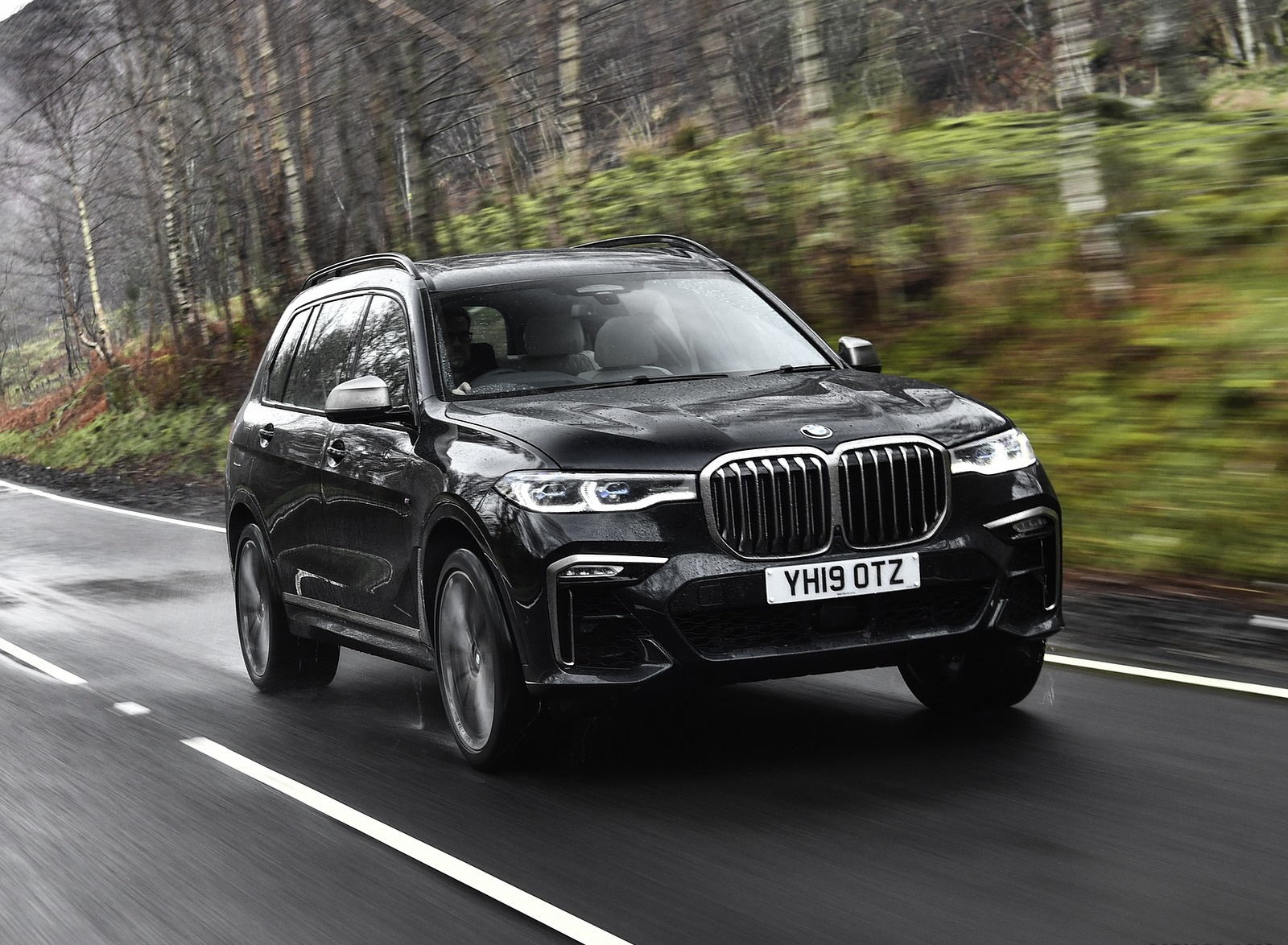 2019 BMW X7 M50d (UK-Spec) Front Three-Quarter Wallpapers (5)