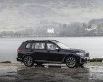 2019 BMW X7 M50d (UK-Spec) Side Wallpapers 150x120 (23)